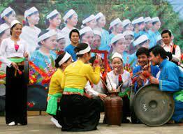 Phát triển du lịch Hòa Bình dựa trên bản sắc văn hóa dân tộc