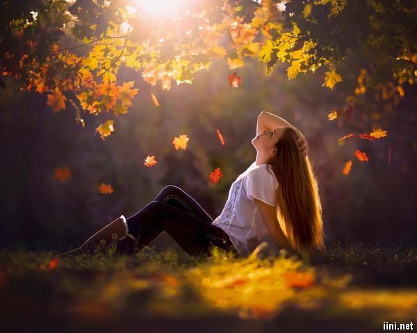 1001 ảnh cô gái mùa Thu đẹp với chút buồn (có Thơ ngắn hay) | IINI Blog