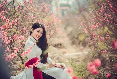 Hotgirl áo dài' tung bộ ảnh đón xuân duyên dáng - Báo Quảng Ninh điện tử