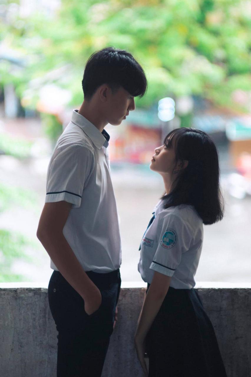 """Bộ ảnh """"tình bể bình"""" của cặp đôi học sinh khiến cộng đồng mạng trầm trồ:  Trai xinh - gái đẹp và tình yêu sét đánh như phim Hàn Quốc"""