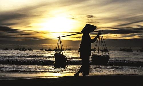Hình ảnh người mẹ trong thơ Nguyễn Ngọc Hạnh