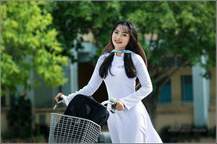 Hình ảnh dễ thương 'nét đẹp học trò' nhớ về một thời áo trắng - Báo Tiền Phong