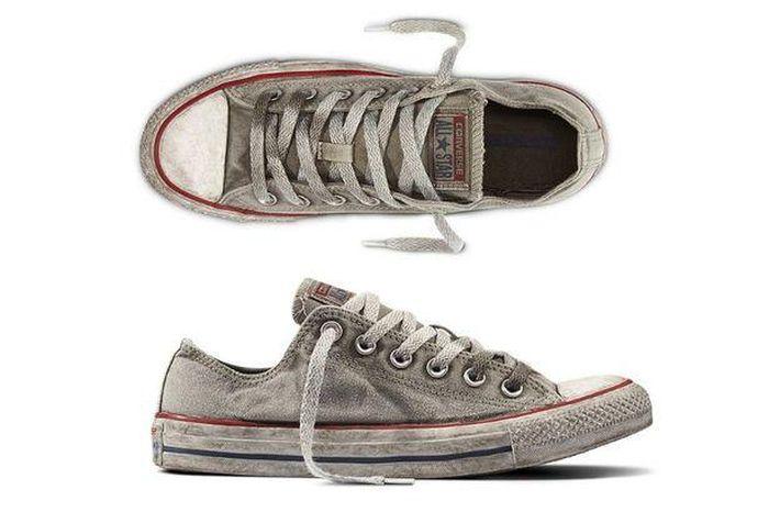 Converse gây tranh cãi khi bán giày trông cũ bẩn - Zing - Tri thức trực  tuyến