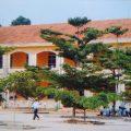 Khung cảnh mái trường THPT Nguyễn Tri Phương theo dấu ...