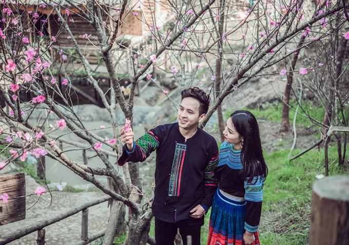 Hồ Quang Hiếu nắm tay 'gái bản', quay MV ở Tây Bắc | Giải trí