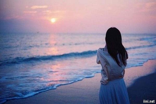 1001 ảnh Biển buồn cô đơn, một mình trước Biển (có thơ ngắn hay) | IINI Blog
