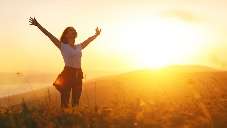 Hạnh phúc là gì? 5 yếu tố quan trọng mang lại hạnh phúc - Narau Japan